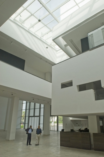 http://www.nouira-architecture.com/files/gimgs/th-14_INT-HALL-PRINCIPAL-06.jpg